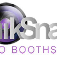 Quiksnaps Photo Booth  logo