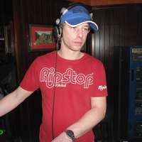 DJ LeewardB