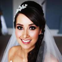 Sophie Saunders Bridal Make Up logo