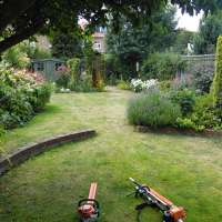 simon@landscapingselect.co.uk