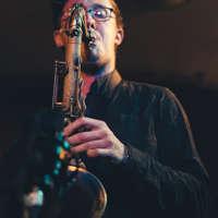 Alex Hitchcock – Saxophonist logo