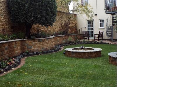 Photo by Alexander John Garden Design & Maintenance