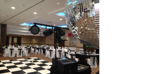 Photo by Discos For All Events