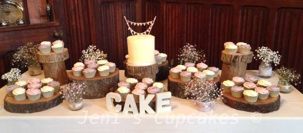 Photo by Jeni's Cupcakes and Brownies