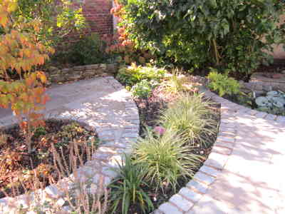 Photo by Linda Secker Garden Design