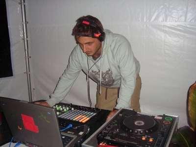 Photo by Pop Up DJ