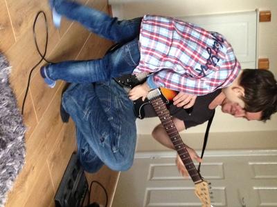 Photo by Teach me guitar