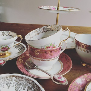 Photo by The Vintage Crockery Company